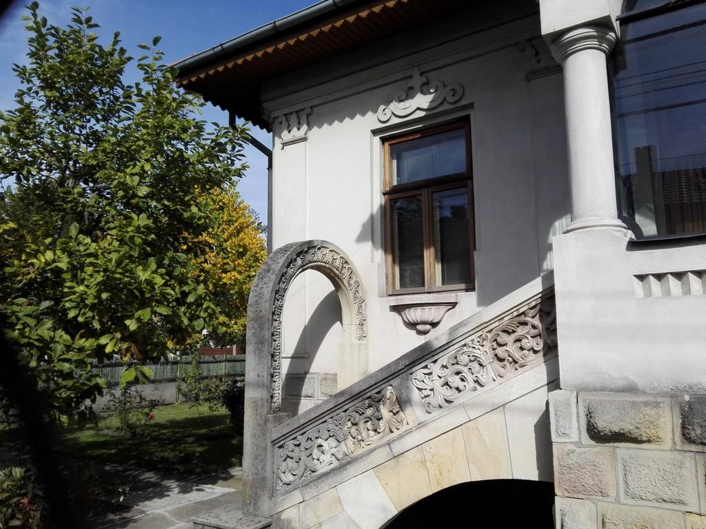 Cladiri istorice Campulung, inspiratie Manastirea Hurez