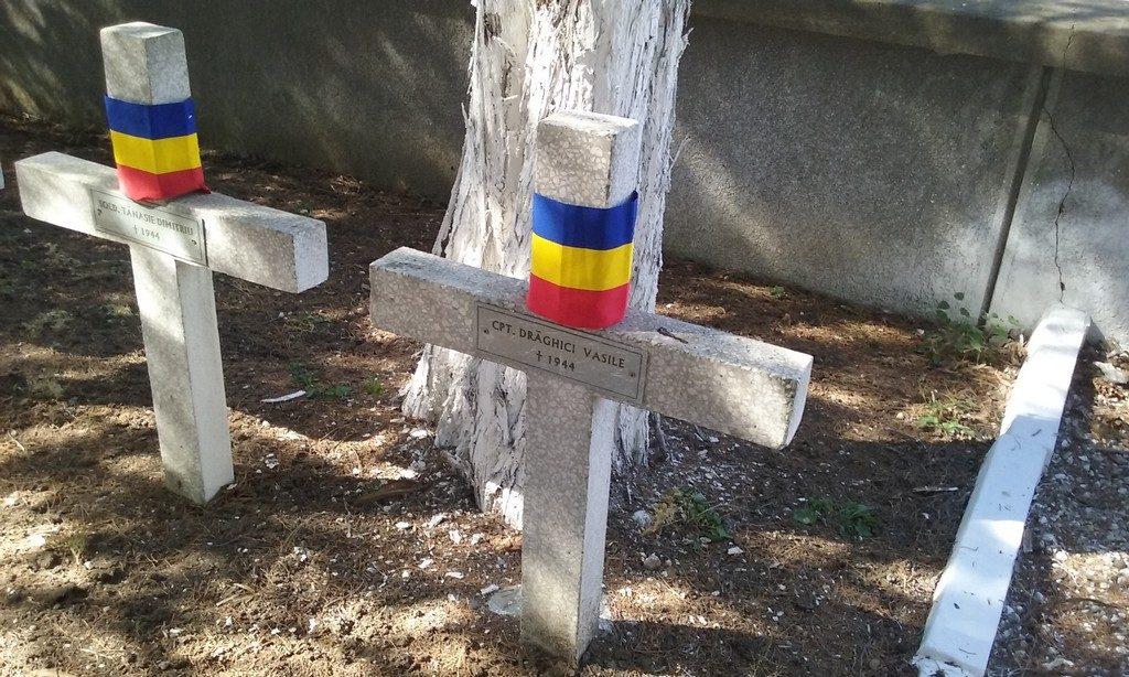 Oarba de Mures, ostasi, eroi, Mausoleu, ostasi, obiective din Romania,