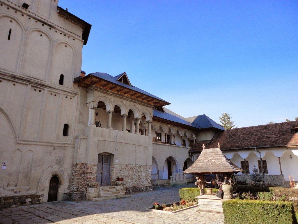 Campulung, Manastirea Negru Voda