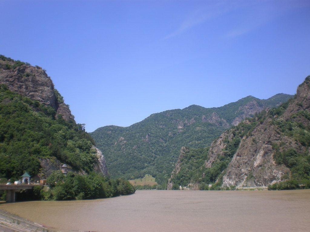 Obiective turistice pe Valea Oltului, descopera Romania