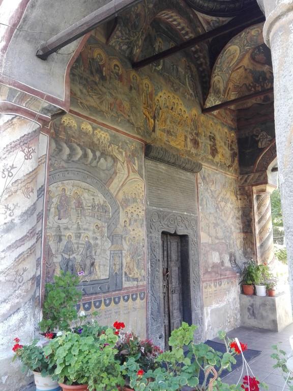 Biserica veche Horezu, obiective turistice Romania (16)