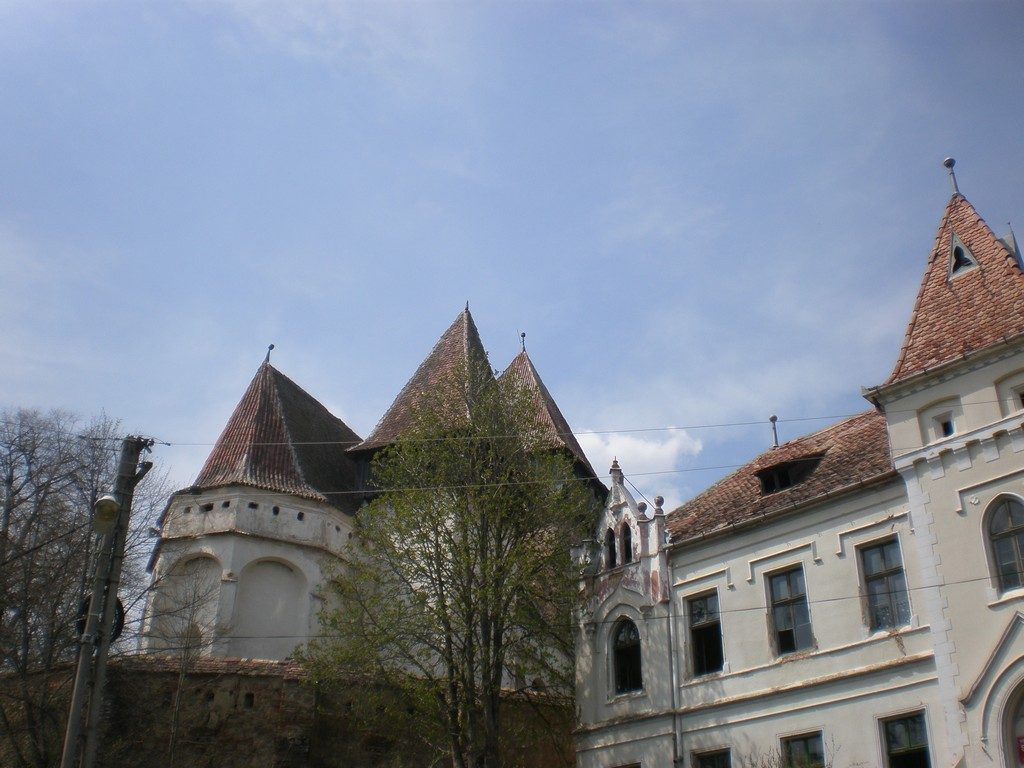 Biserica fortificata din Iacobeni