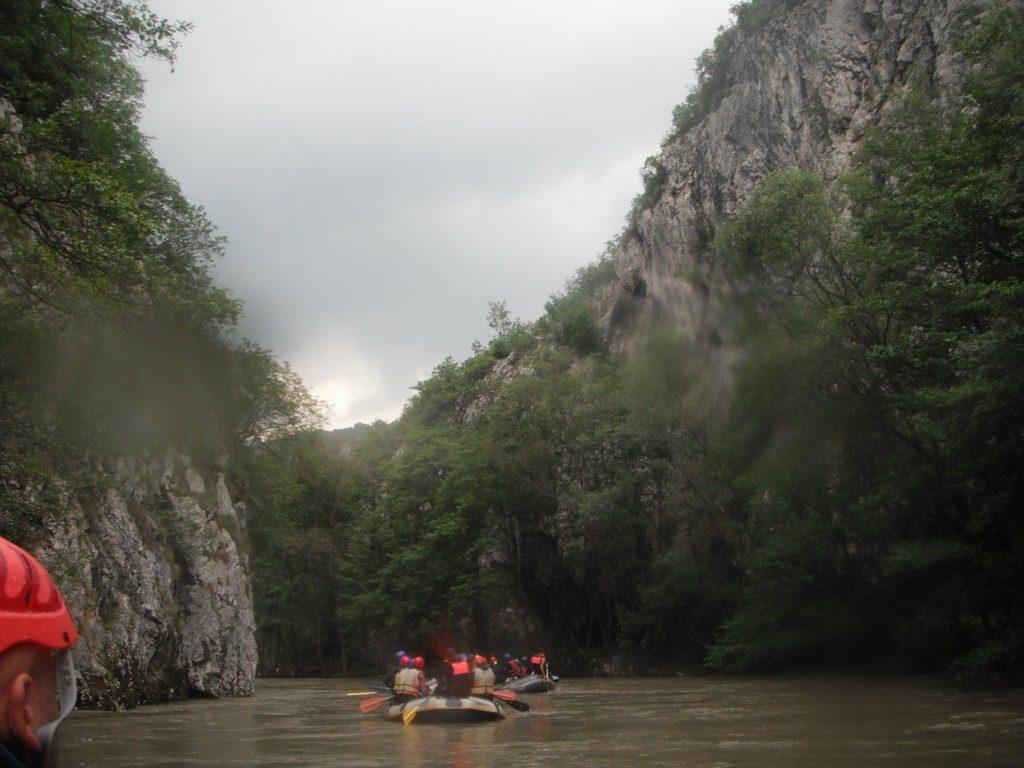Rafting pe Nera, Beusnita, Ochiul Beiului, obiective turisistice Romania, concediu, infoturism