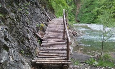 Infoturism, Cheile Tisitei, concediu Vrancea, Romania Pitoreasca