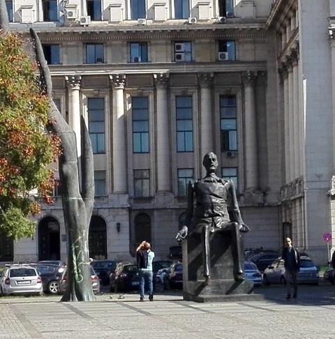 Comitetul Central, Statuia lui iuliu Maniu, Bucuresti, obiective turistice