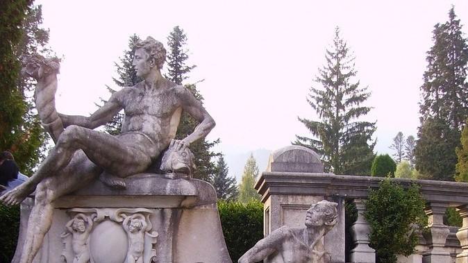 Castelul Peles, Sinaia, statu