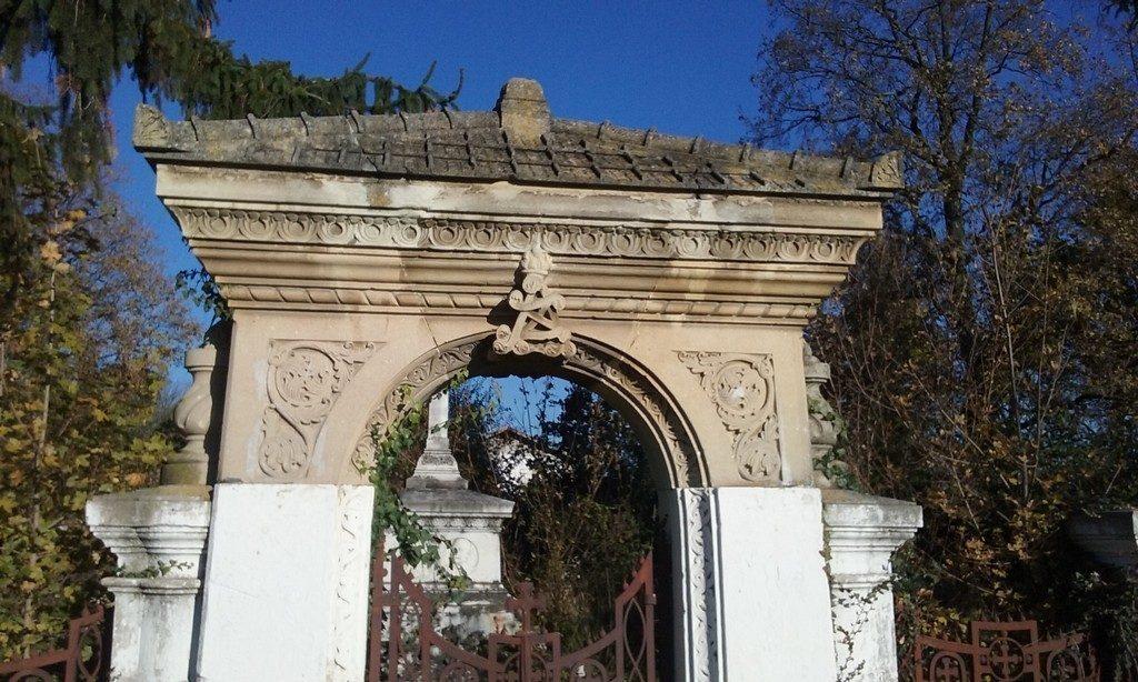 monument funerar pana la Pissiota
