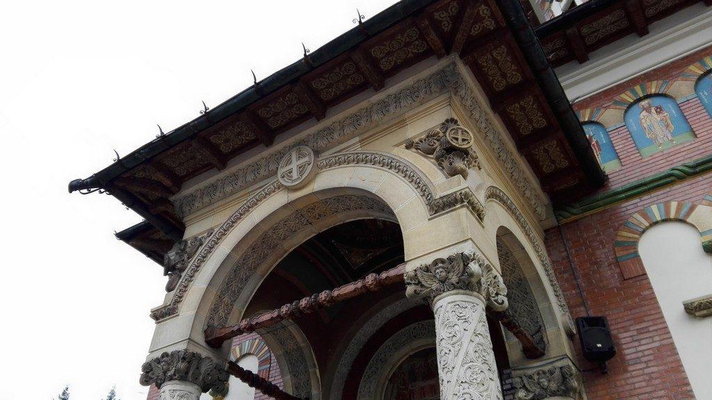Obiective turistice pe Valea Prahovei, Manastirea Sinaia