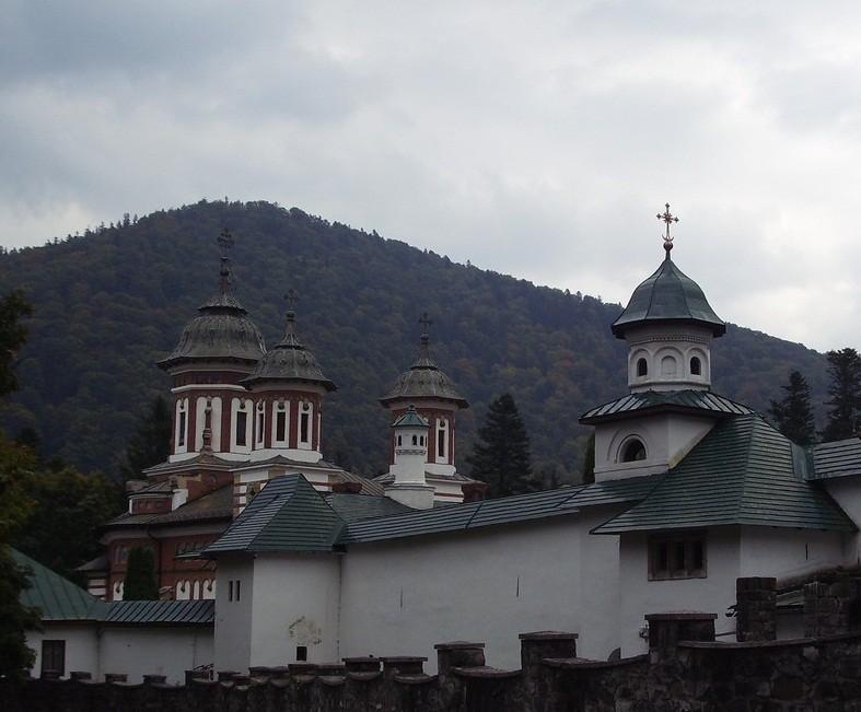 manastirea-sinaia1
