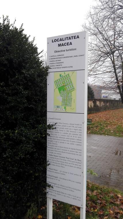 Palatul Cernovici, Macea, Obiective turistice in jurul Aradului