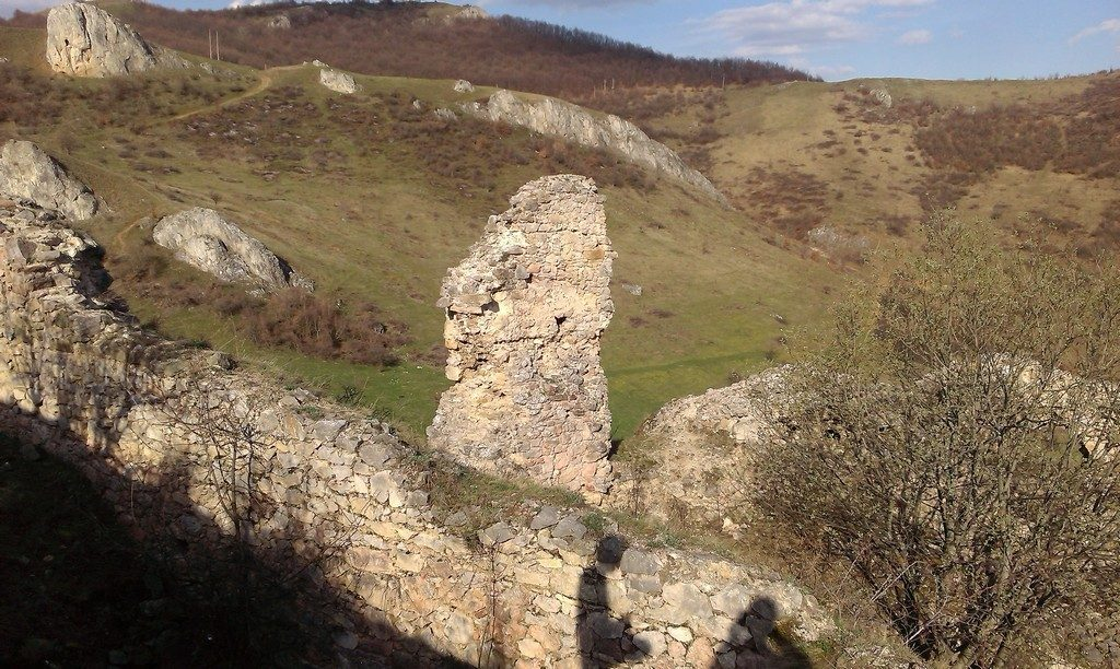Cetatea Liteni, Obiective turistice langa Cluj, cetati medievale, infoturism