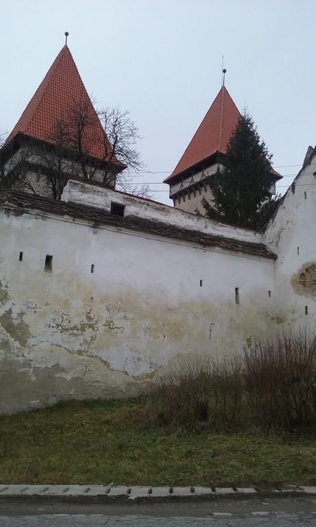 Dealu Frumos, biserica fortificata, obiective turistice Sibiu, Valea Hirtibaciului (2)