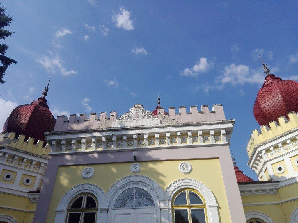 blazonul familiei Bethlen, Castel Arcalia, Bistrita Nasaud, Bethlen, obiective turistice Romania, Transilvania