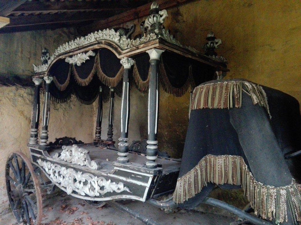trasura, dric, biserica fortificata Codlea, obiective turistice Brasov, Romania