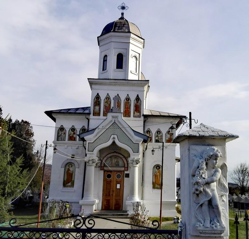 Biserica Dalles, Bucsani, Dambovita, Romania