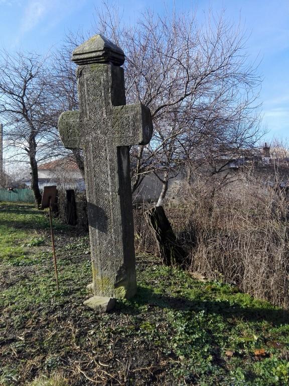 Crucea de la Cornatel, obiective turistice Dambovita, Romania