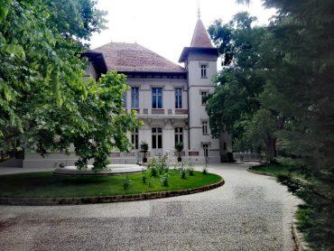 Conacul Hagianoff, Domaniul Manasia, obiective turistice Ialomita