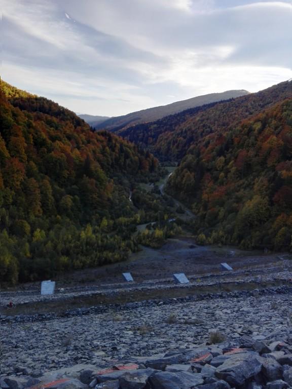 Barajul Rausor si Cabana Voina