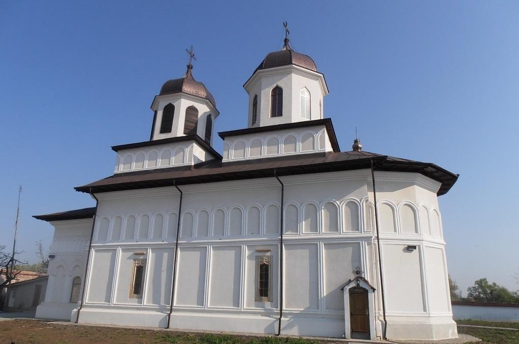 biserica de la Conacul brancovenesc de la Potlogi