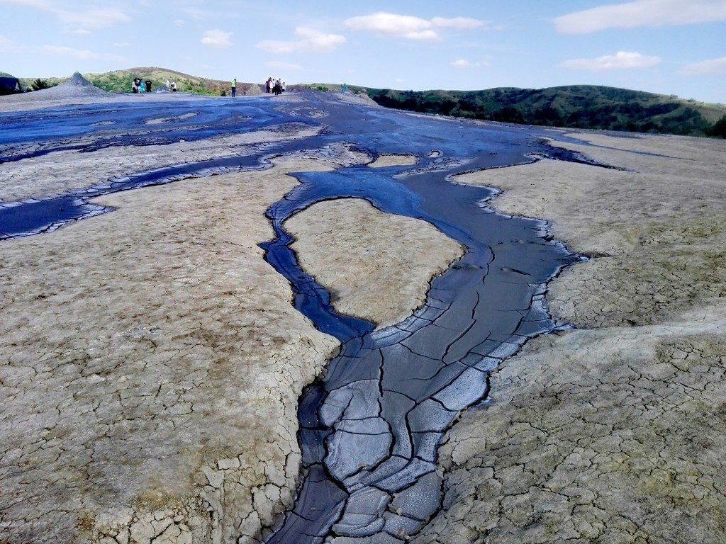 Vulcanii Noroiosi de la Paclele Mari, obiective turistice Buzau, Romania