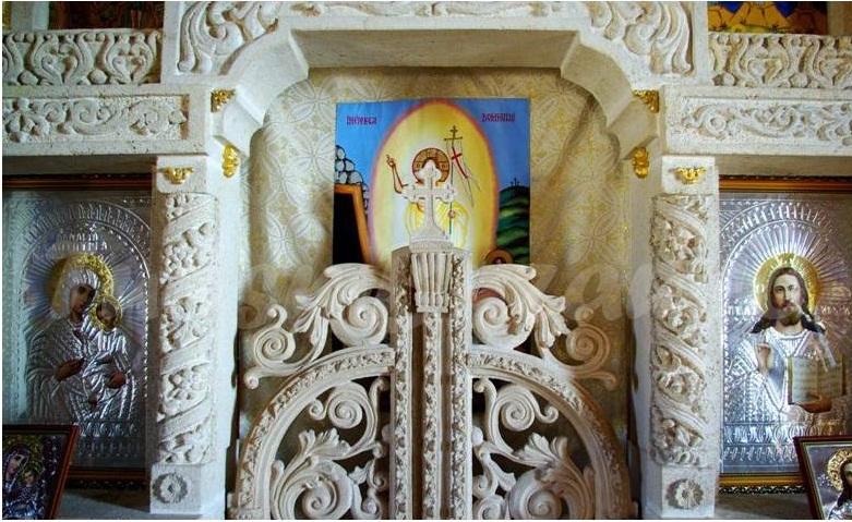 biserica dintr-o piatra Naeni, Dealu Mare, obiective turistice in jurul Ploiestiului