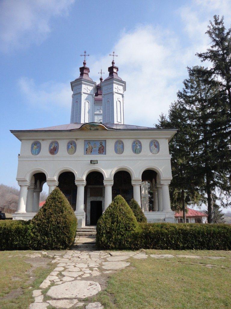 Manastirea Ciolanu, obiective turistice in judetul Buzau
