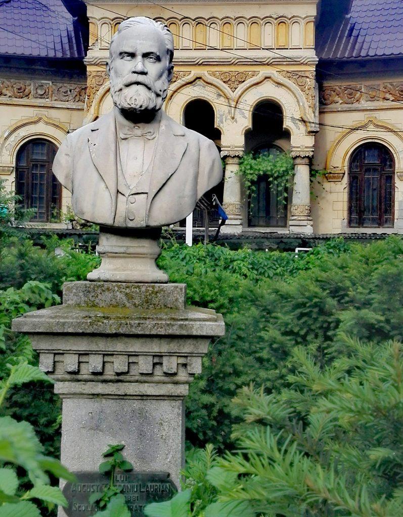 statuia lui August Treboniu Laurian in Bucuresti, monumente istorice Romania