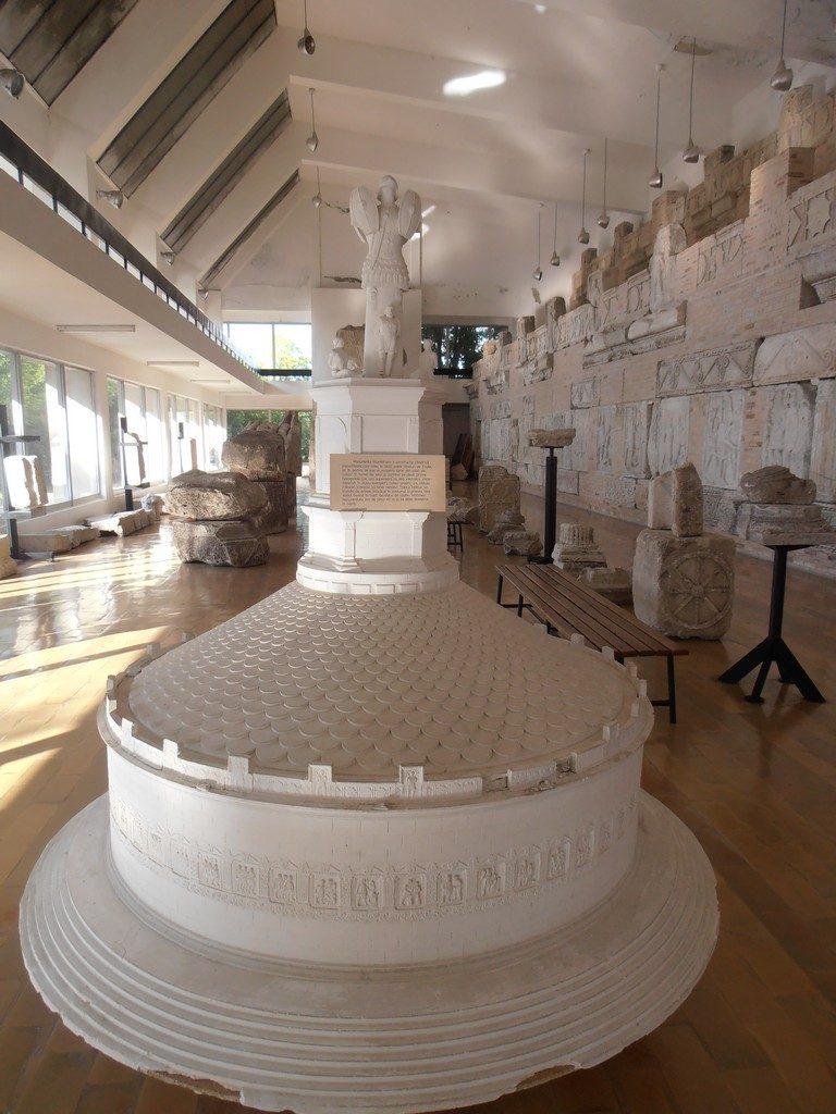 Adamclisi si Tropaeum Traiani