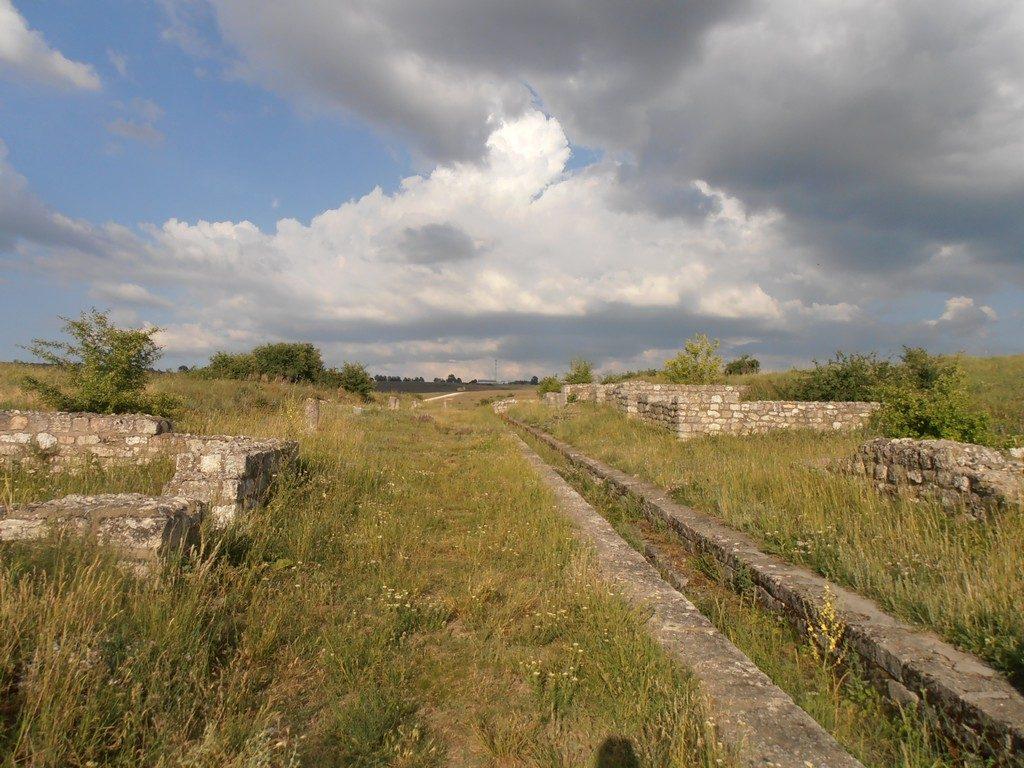 Adamclisi, Tropaeum Traiani, mausoleu Constanta, Romania, infoturism, concediu sau weekend mare
