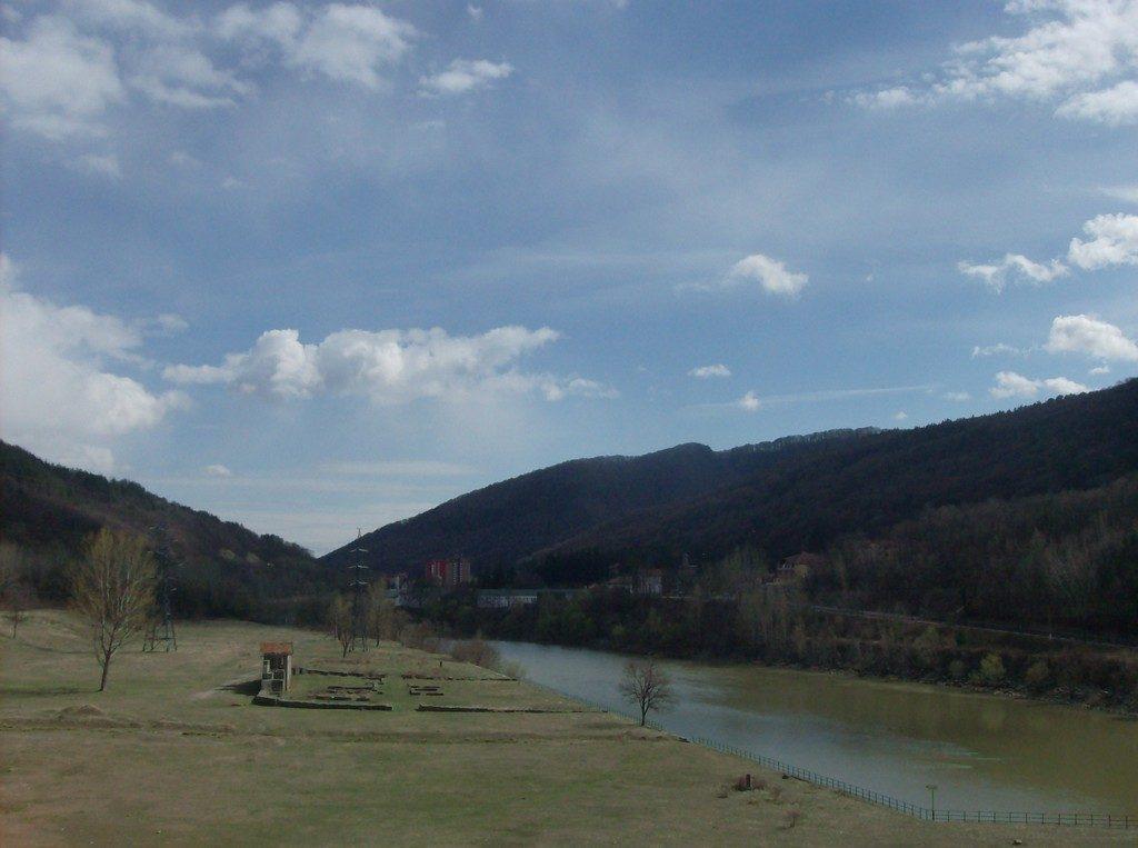 Calimanesti, Castrul roman Arutela, Obiective turistice pe Valea Oltului