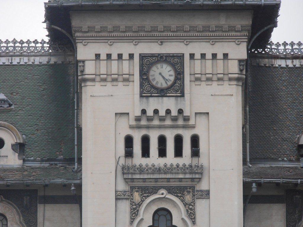 Top atractii turistice Dolj, obiective turistice Romania, detaliu Palatul Primariei, arhitect Petre Antonescu