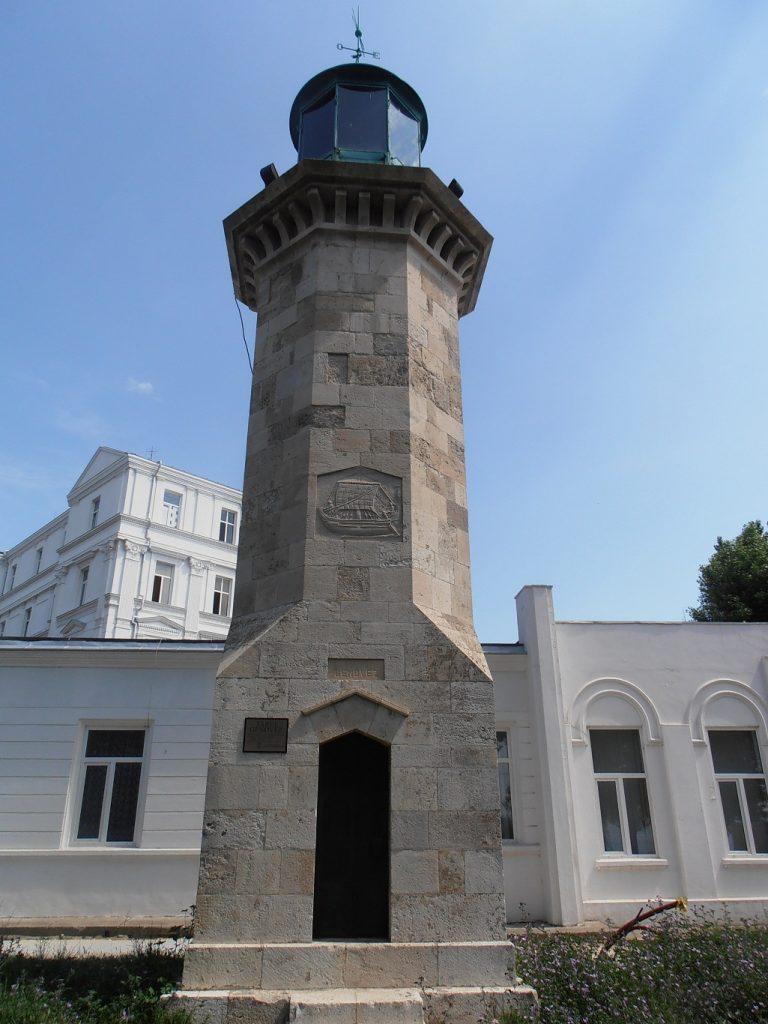 Farul Genovez din Constanta, obiective turistice Constanta, infoturism