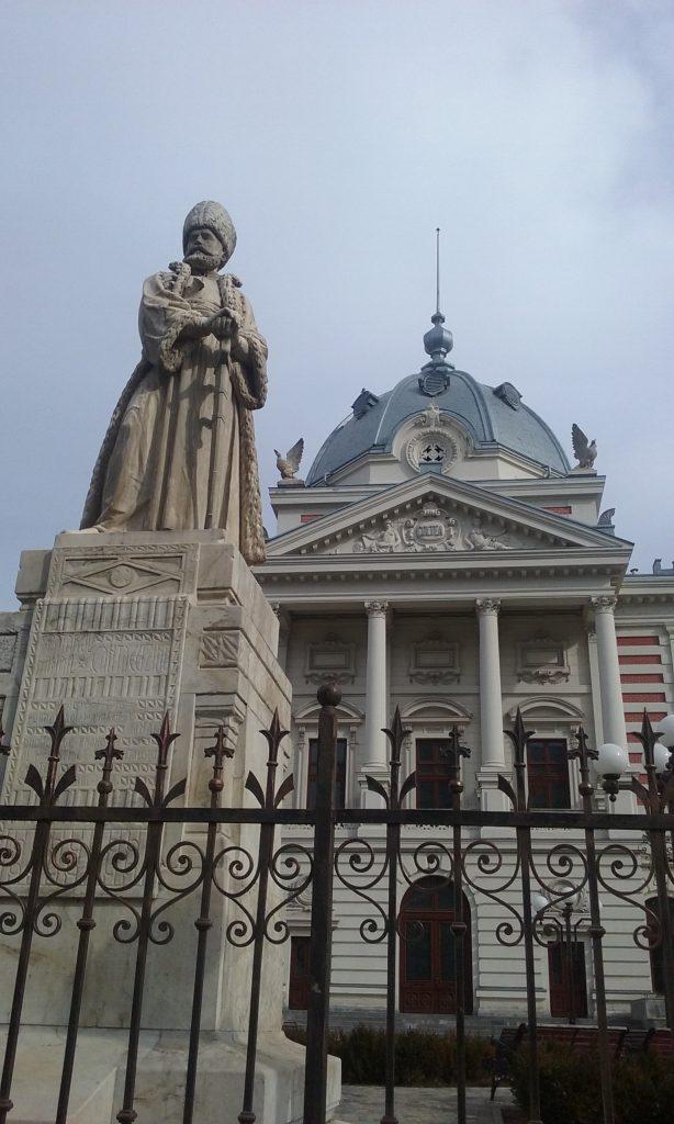 statuia lui Cantacuzino sculptata de Karl Storck, Biserica Coltea, obiective turistice in Bucuresti
