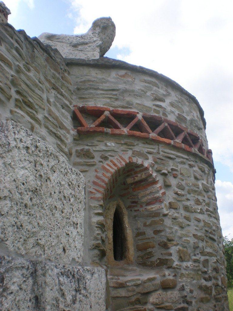 Biserica Densus, obiective turistice Hunedoara, Deva, Romania, concediu, infoturism