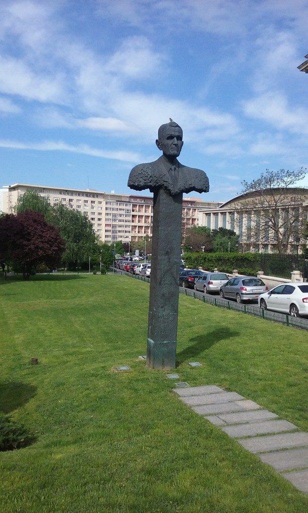 Statuia lui Corneliu Coposu, Bucuresti