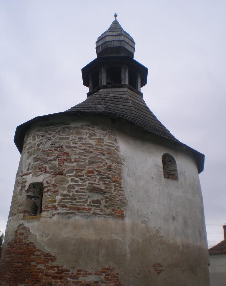 Biserica Rotonda, Geoagiu, Hunedoara, obiective turistice Romania, infoturism