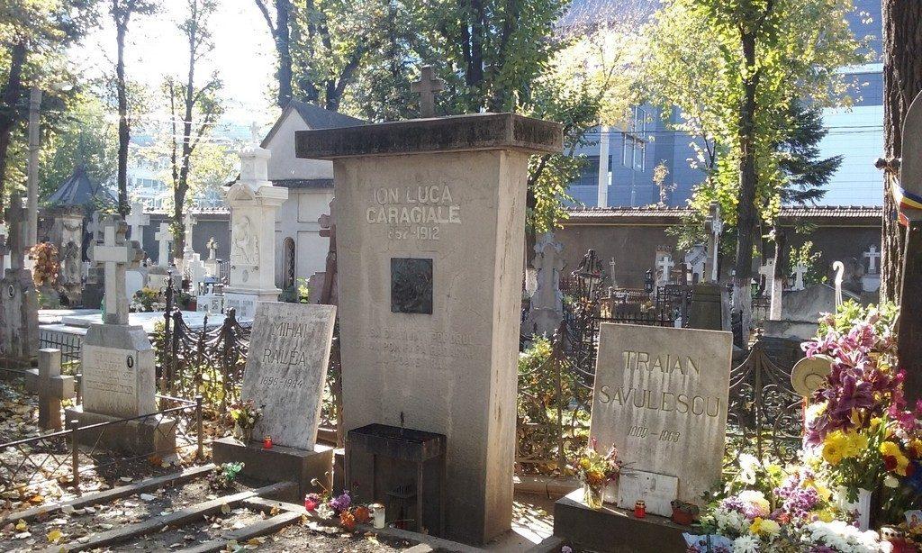 Cimitirul Bellu, obiective, monumente istorice, bucuresti, romania , mormantul lui Ion Luca Caragiale