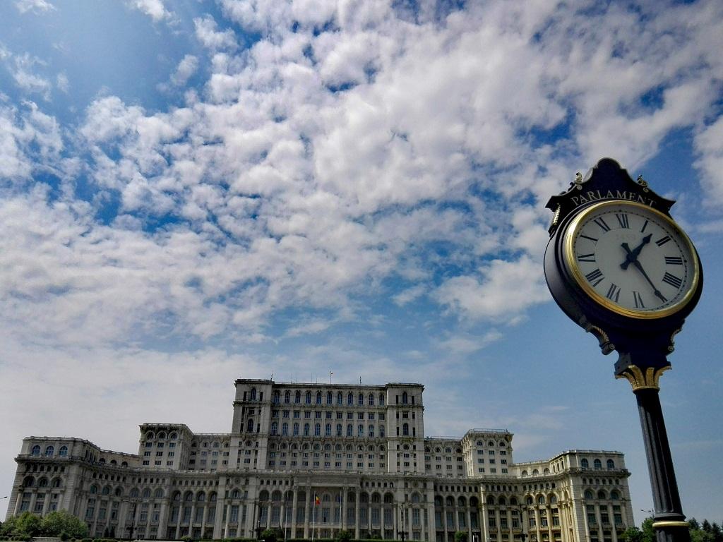 Palatul Parlamentului Sau Casa Poporului Tara Dacilor