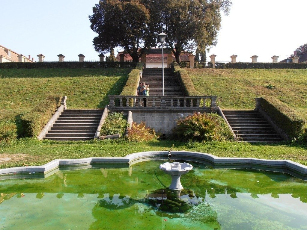 Avrig, Palatul Brukenthal, Obiective turistice in jurul Sibiului