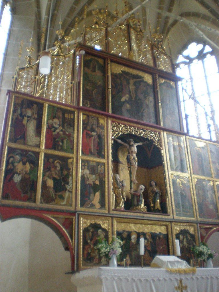 Biertan, cel mai mare altar pictat din Transilvania