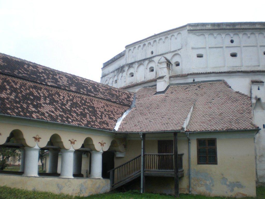 Biserica fortificata din Harman, obiective turistice in jurul Brasovului