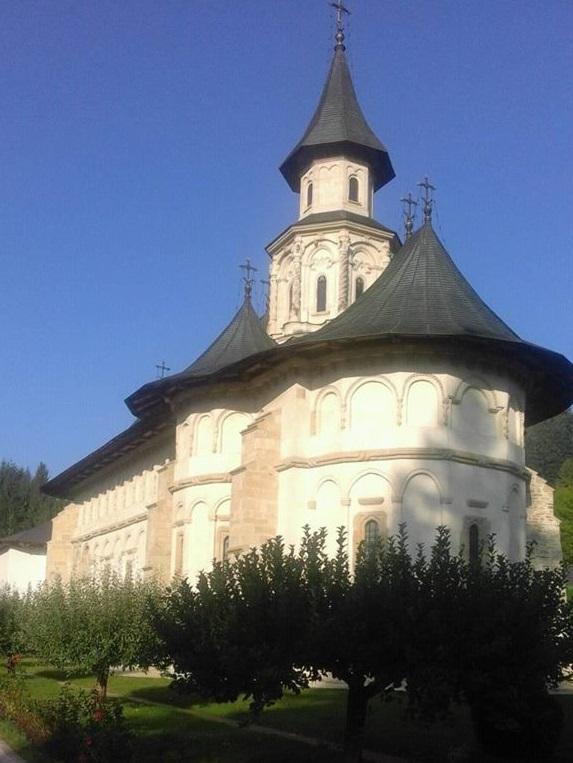 traseu in Bucovina, manastirea Putna, obiective turistice Moldova, Romania