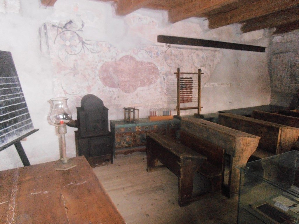 Biserica fortificata din Prejmer, Unesco, sala de scoala