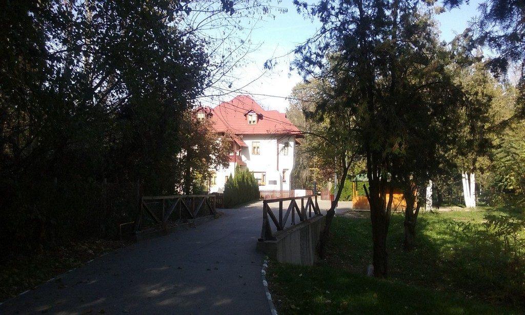 CONACUL CONSTANTIN STERE din BUCOV, obiective turistice Ploiesti, Romania