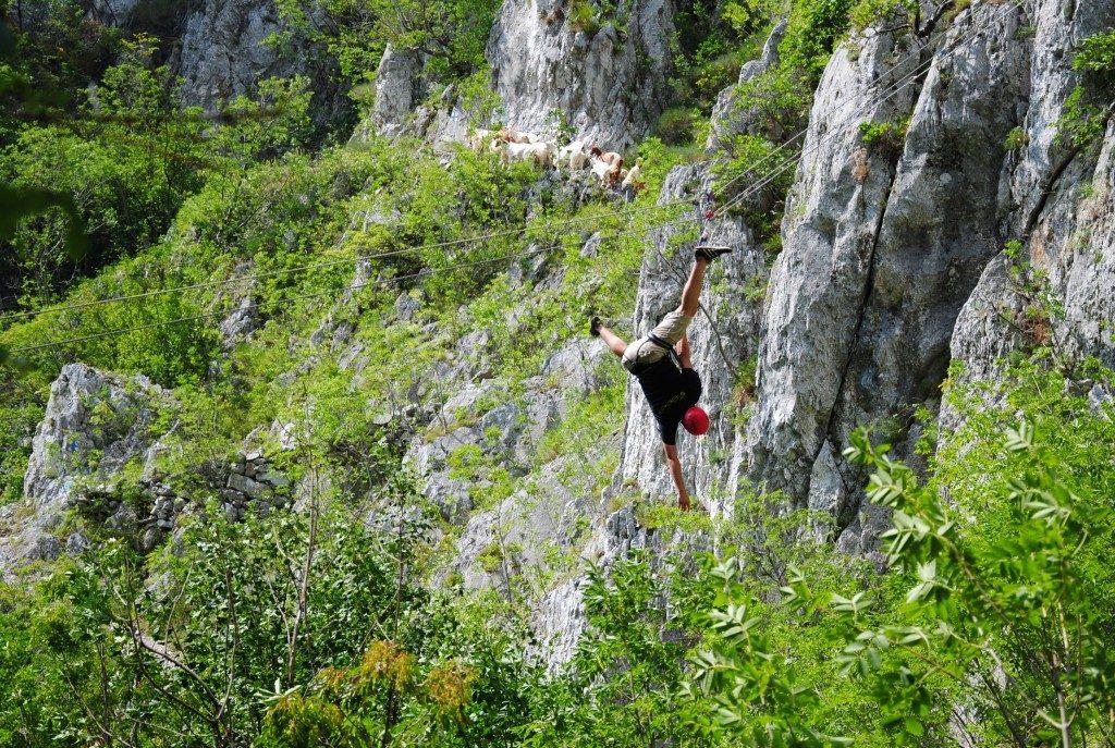 Cheile Tasnei, tiroliana, obiective turistice Romania, concediu, infoturism