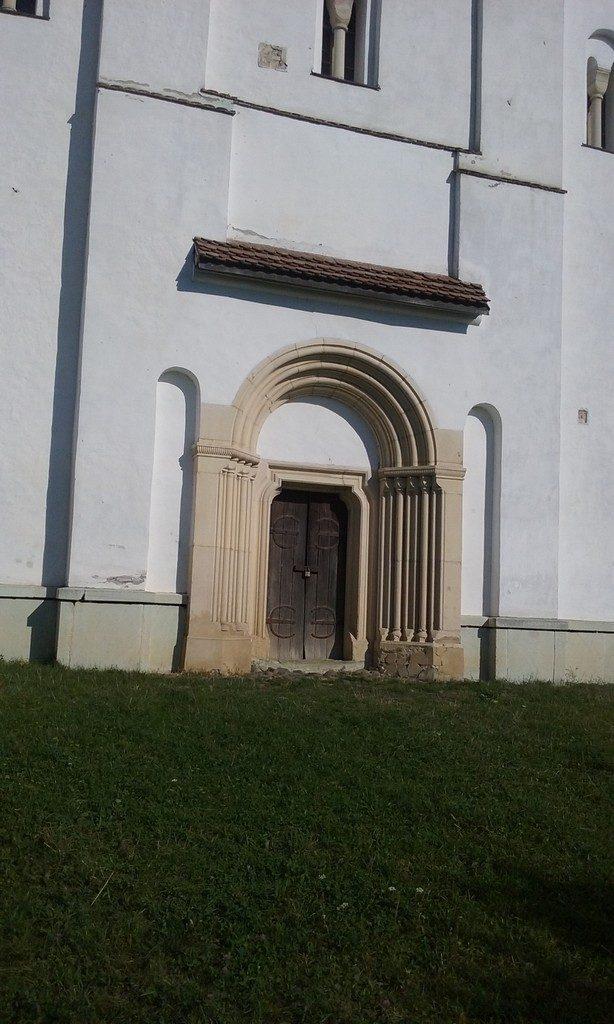 Biserica Herina, obiective turistice, traseu in Transilvania, Romania