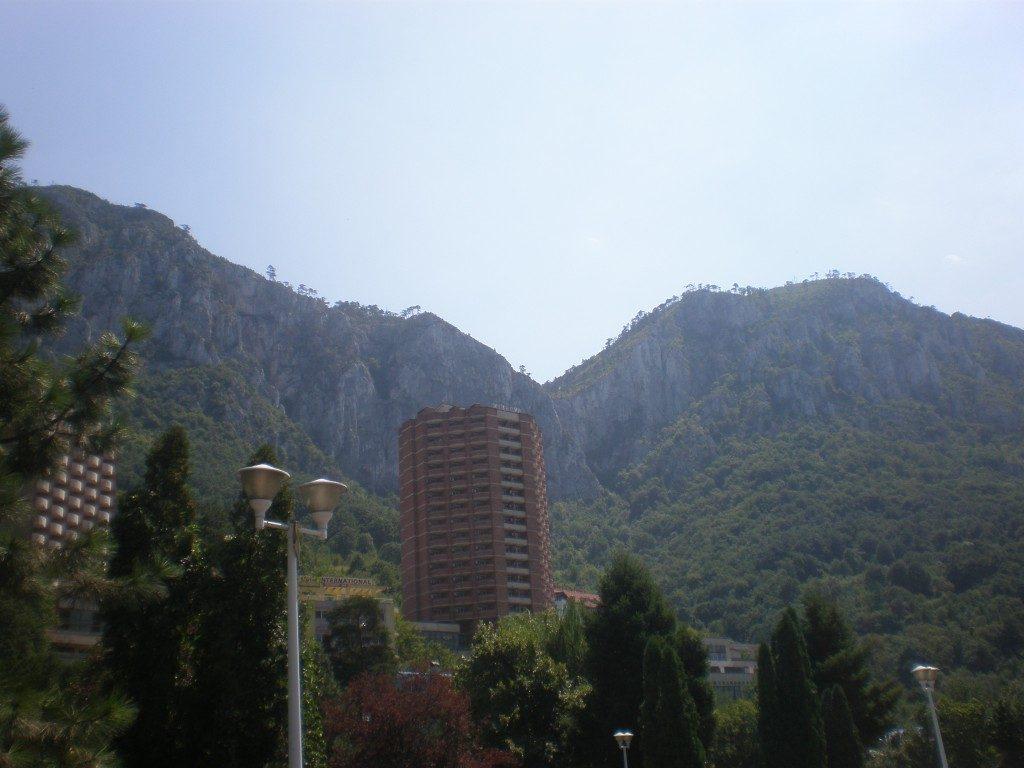Cheile Tasnei, statuia lui Decebal, tiroliana, obiective turistice Romania, concediu, infoturism