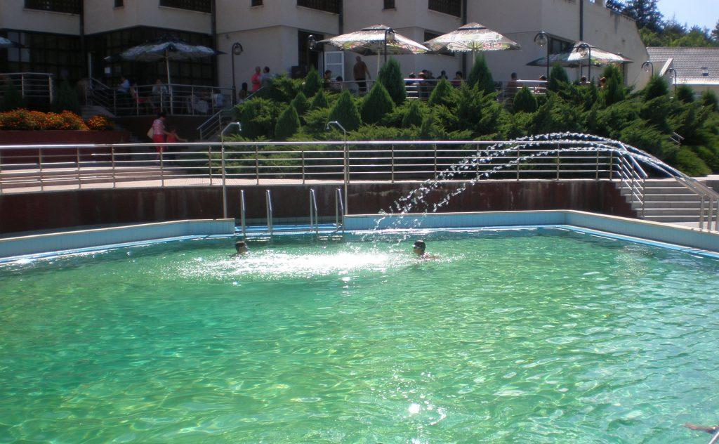 Bazna, piscina sarata Exprogaz, obiective turistice in Transilvania, atractii turistice Romania