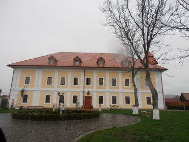 Castelul Haller, Transilvania, Obiective turistice Romania