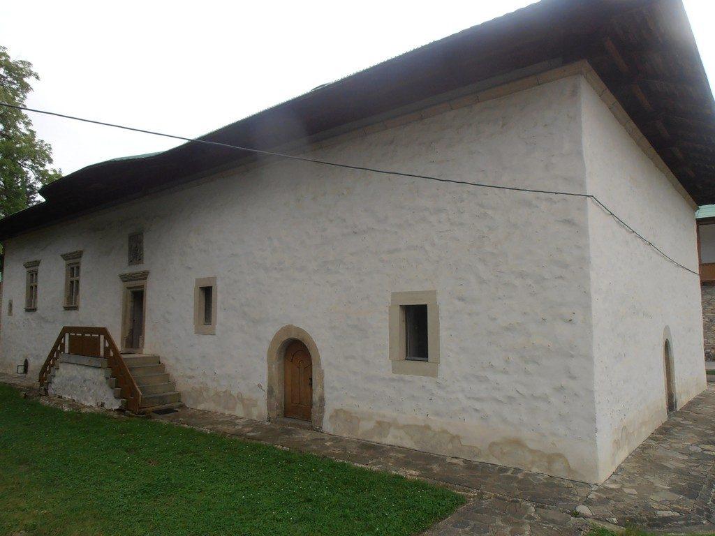 De la Gura Humorului la Slatina si Voronet, obiective turistice Bucovina, manastiri Romania